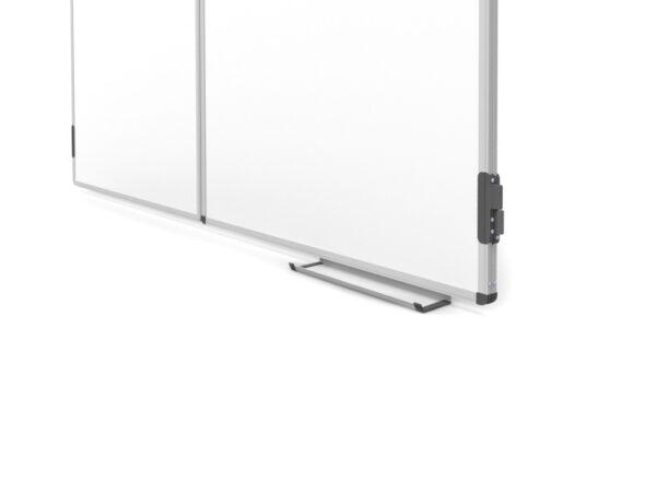 Valge kolmeosaline magnettahvel tarvikute riiul